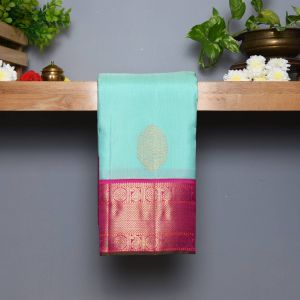 Mint Green Coloured Kanchipuram Silk  Saree With Contrast Mejentha Pink Pallu