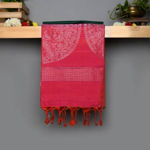 Green Coloured Soft Silk Saree with Contrast Reddish Pink Pallu.