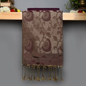 Light Purple Coloured Soft Silk Saree with Contrast Choculate Beige Pallu.