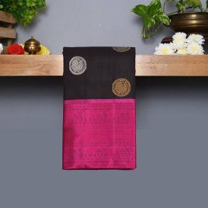 Black Coloured Kanchipuram Silk Saree With Dark Majantha Pallu